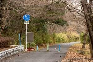 廃線跡は、歩きやすく気持ちの良い自転車・歩行者専用道となっている