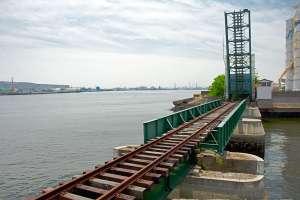 名古屋港に現存する跳上橋…ただし役目は終えている